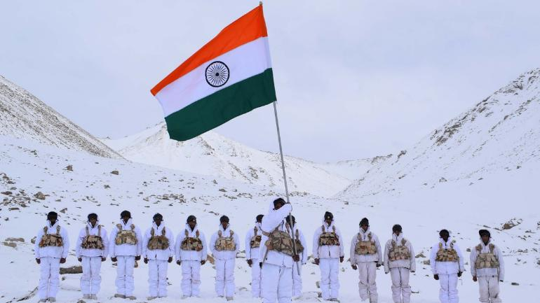 ITBP keeps the tricolor flying high on Republic Day at 18000ft with minus 30 degree