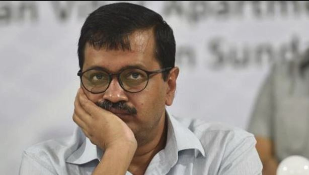 Delhi CM slapped once again on a road show