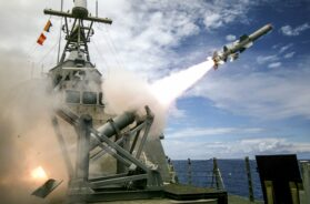 USS_Coronado_Launches_First_Over-The-Horizon_Missle_Using_a_Harpoon_Block_1C_Missile_in_Pacific_Ocean,_July_19,_2016 (1)_0